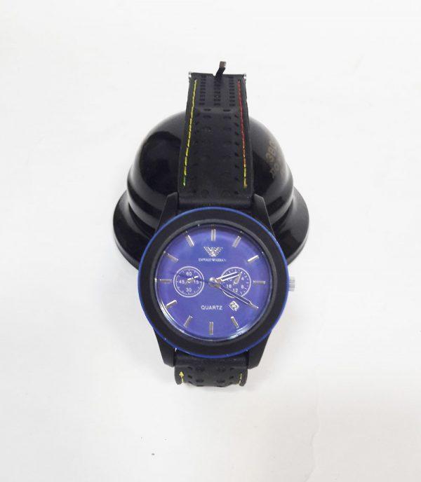 Часы на батарейках черные с синим